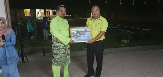 Token Of Appreciation From Kudat Air Scouts